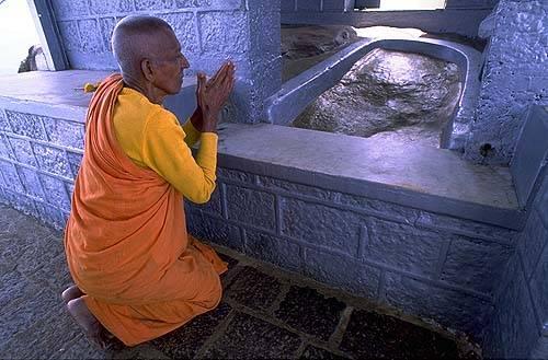 Les lieux sacrés - Héritage spirituel du Monde. - Page 2 Image010