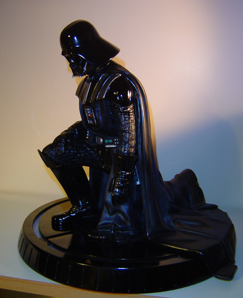 Gentle Giant - Darth Vader ESB Statue - Page 5 Dsc05714