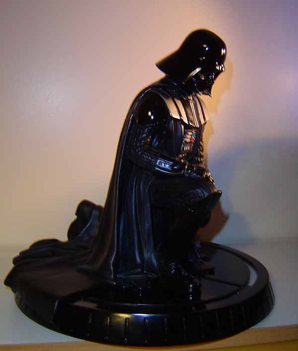 Gentle Giant - Darth Vader ESB Statue - Page 5 Dsc05719