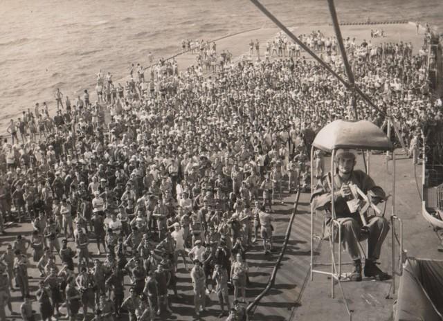 [Opérations diverses] ALBUM du CLEMENCEAU - Pacifique 1968 Ligne110