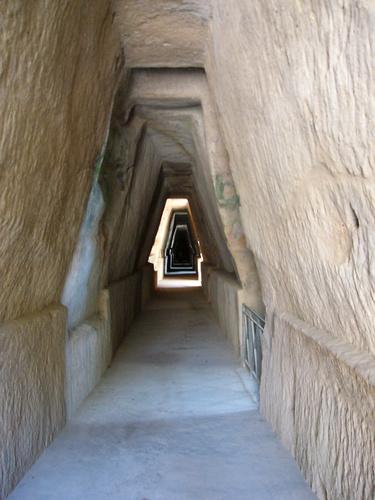 Les lieux sacrés - Héritage spirituel du Monde. - Page 2 Cumae-10