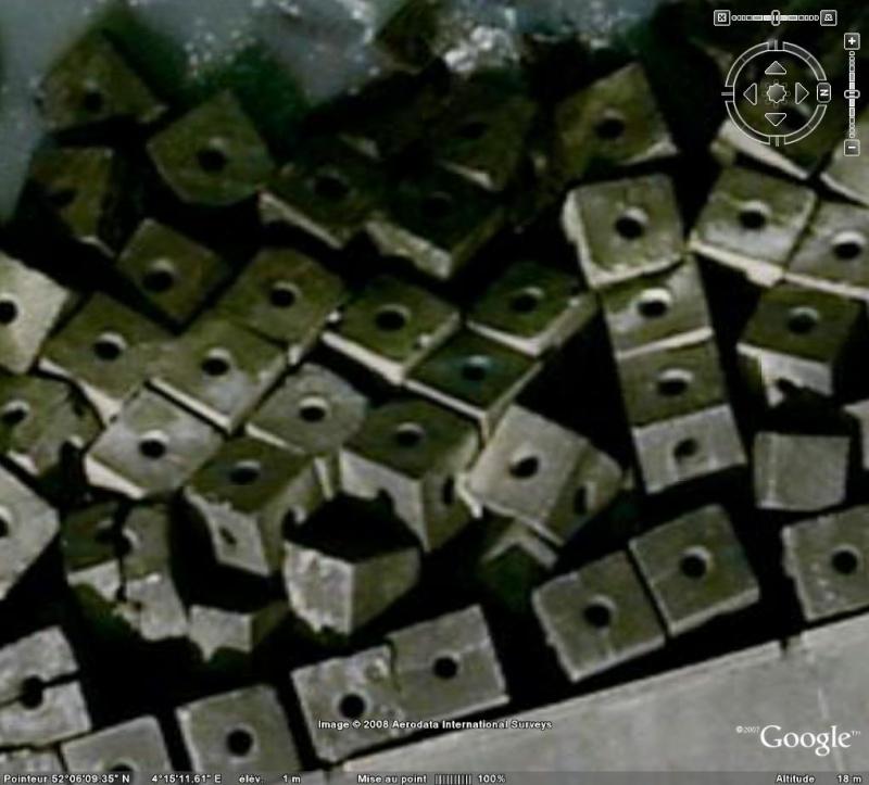 Les objets familiers vus sur Google Earth : écrous - tapis - planche... & caetera Ecrous10