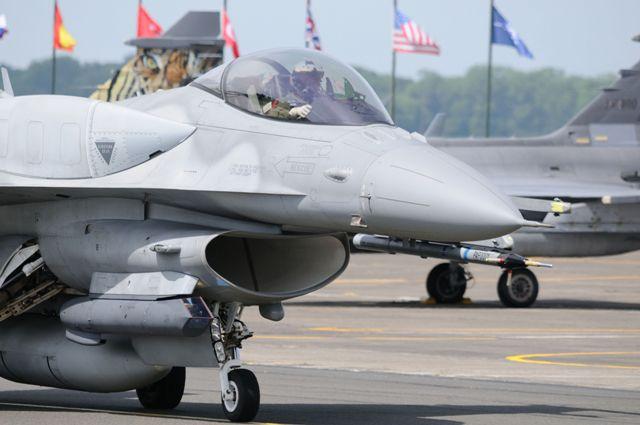 DEBRIEFING NATO TIGER MEET CAMBRAI 2011  - Page 2 Dsc_2225
