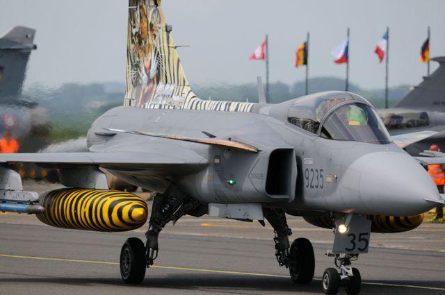 DEBRIEFING NATO TIGER MEET CAMBRAI 2011  - Page 2 Dsc_2417