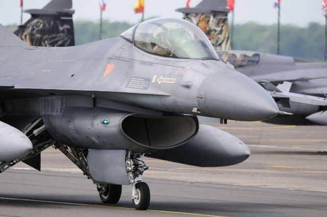 DEBRIEFING NATO TIGER MEET CAMBRAI 2011  - Page 2 Dsc_2420