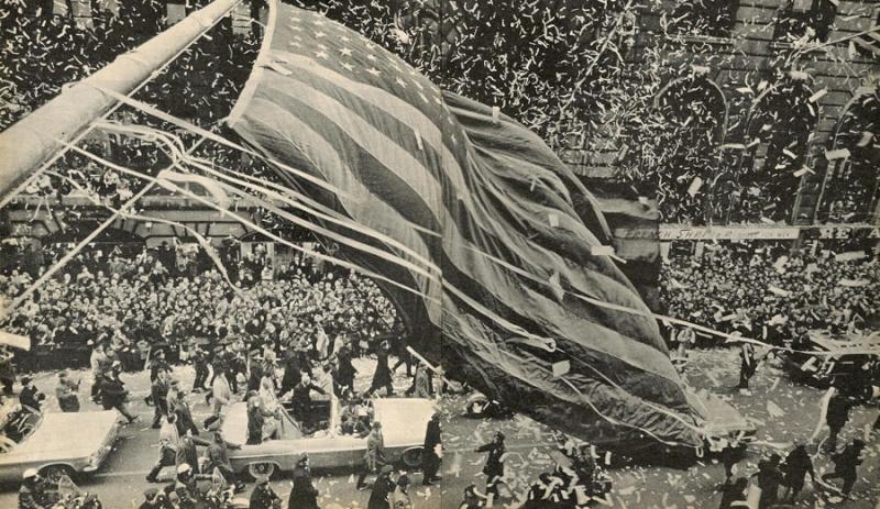 Photos rares et/ou originales, de préférence inédites sur le forum - Page 40 Parade10