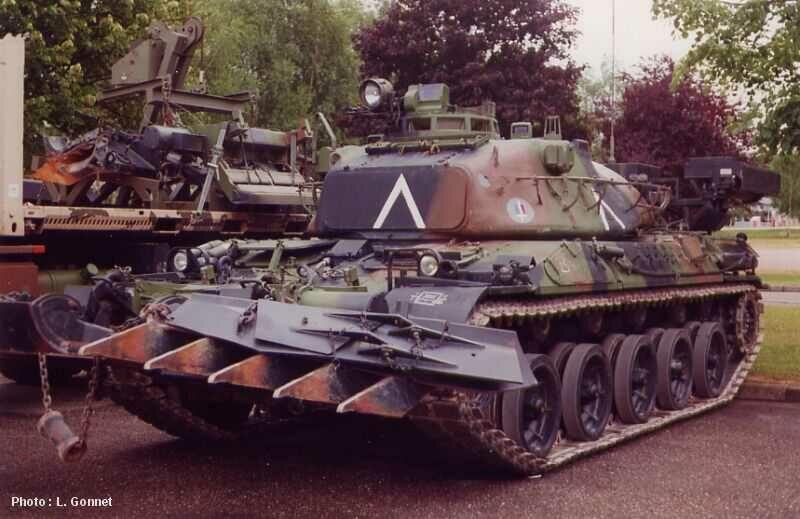 AMX 30 + charrue au 1/72 Amx30_10