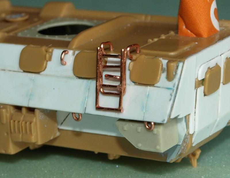 VAB T20-13 [HELLER+AZIMUT] 1/72. Fin, le 22/11/2010. - Page 5 P1016850