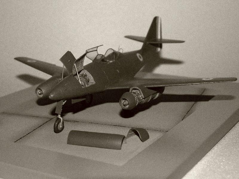 Me 262 A-1a, CEV Bretigny [Revell+CMK] 1/72 Sepia210