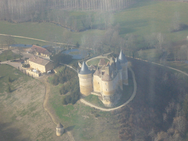 Châteaux de la Dordogne à 500 ft sol en cessna 172 P1050512