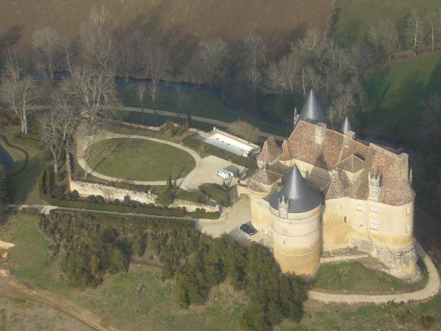 Châteaux de la Dordogne à 500 ft sol en cessna 172 P1050513