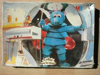 Les puzzles 80's de D.A, séries ou de  gamme de jouets.... Villag10