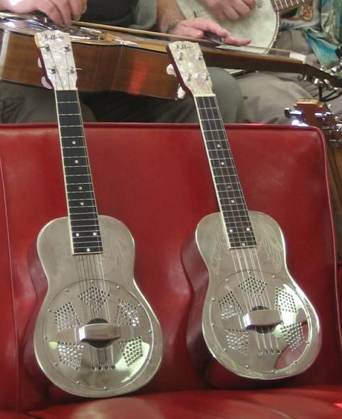 Venez exposer vos ukulele // - Page 2 Ukes10