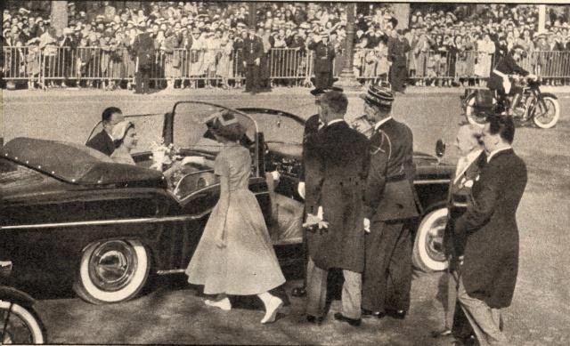 Visite royale - avril 1957 Reine_14