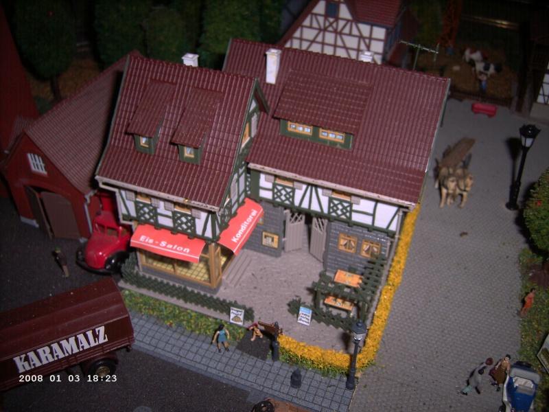 Vollmer Professionalbausatz 1/87 Alte Schmiede + Konditorei Pict1035