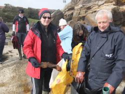 International Beach Clean up & PADI Project AWARE Dscf1418