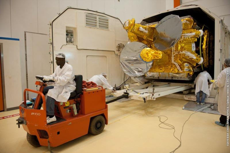 Ariane 5 ECA V197 / Eutelsat W3B + Bsat 3B (28/10/2010) - Page 2 721-lg10