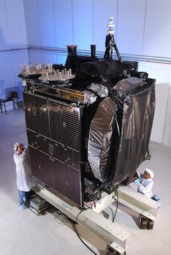Galaxy 15, hors de contrôle, pose un problème aux autres satellites - Page 2 G1510