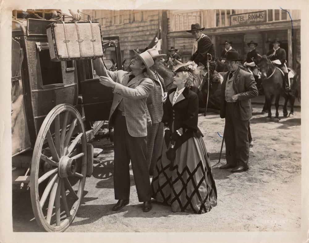 La Femme du Pionnier - Dakota - 1945 A_duk146