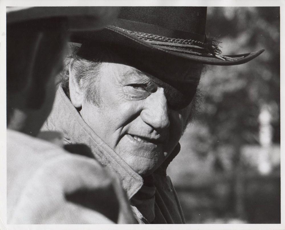 100 $ pour un shériff - True Grit-1969 - Page 2 A_duk448