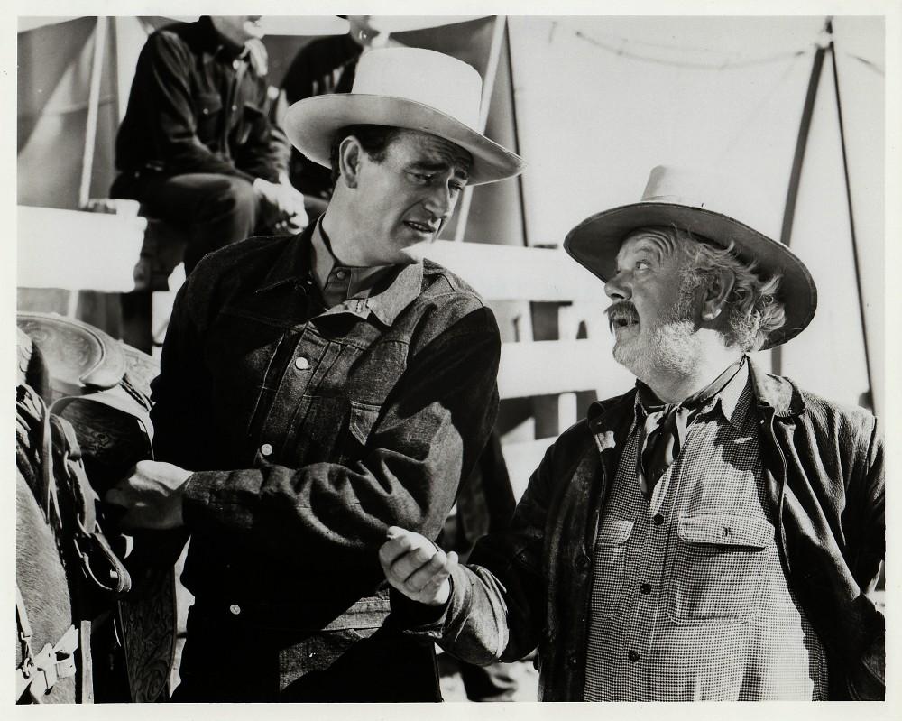 La Fille et son Cowboy - A Lady Takes A Chance - 1943 Duke_918