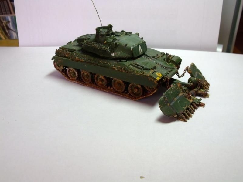 AMX 30 + charrue au 1/72 Dscf0310