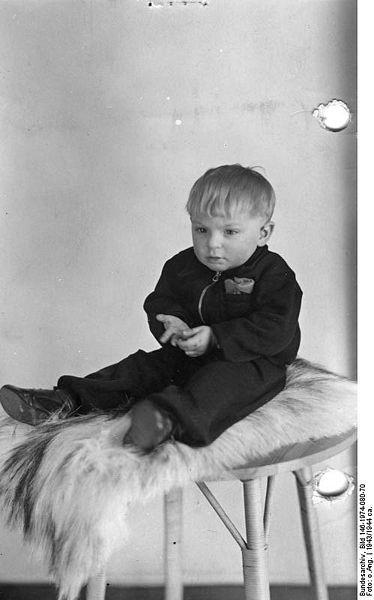 Hedwig Potthast, maîtresse d'Himmler: infos fragmentaires... 374px-10