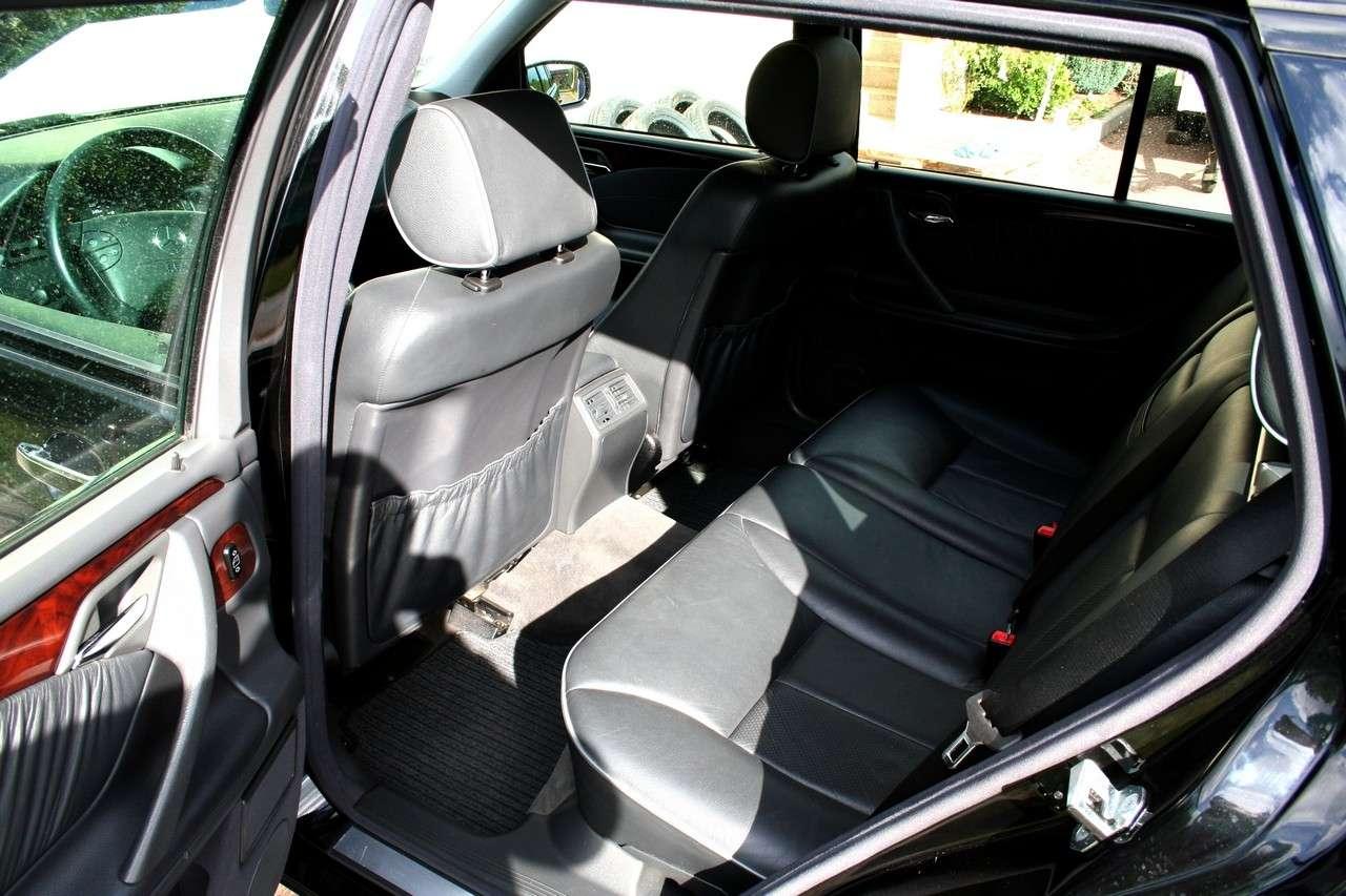 Présentation W210 E320 essence 4 Matic Elégance Break BVA Noire Img_8913