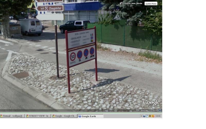 STREET VIEW : les panneaux de jumelage Pannea10