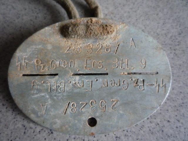 """Soldbuch  SS Pionier """" HOHENSTAUFEN """" P1030532"""