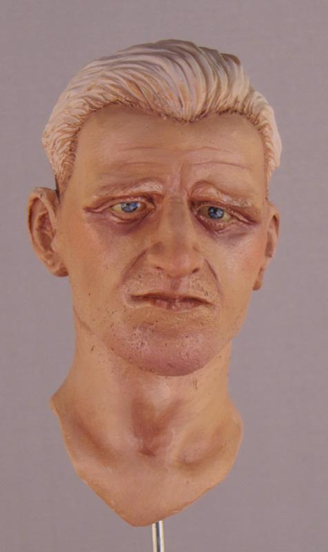 La peinture d'un visage à l'huile En-cou12