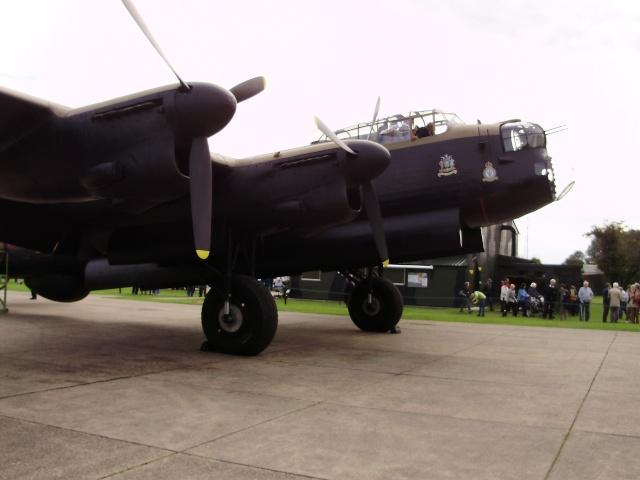 [Les anciens avions de l'aéro] Les bons vieux Lanc de l'Aéronavale ! P7140012