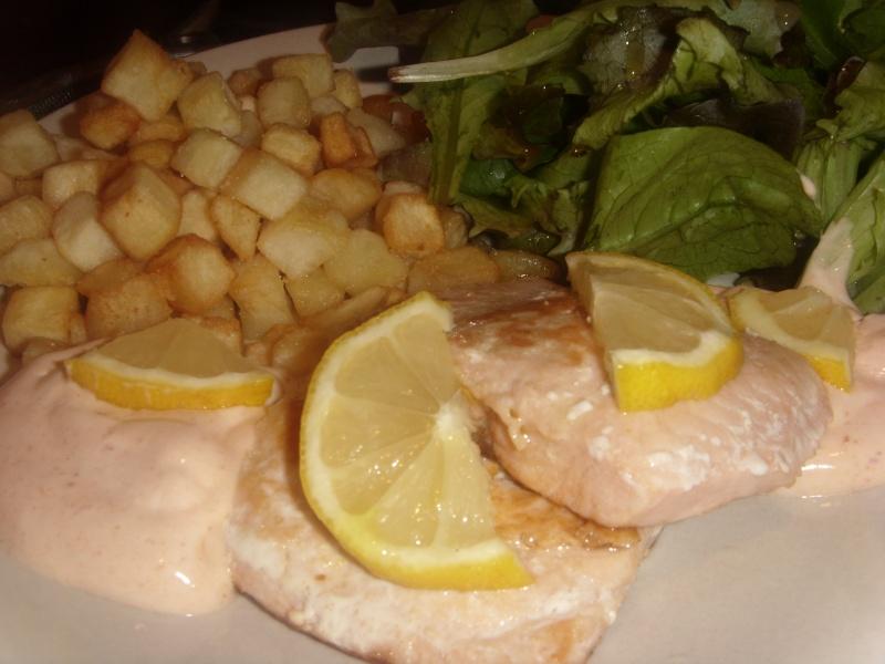 Sauce rosée pour accompagner Bastilla (Pastilla) marocaine à base de fruits de mer ou Seaks de saumon Saumon10