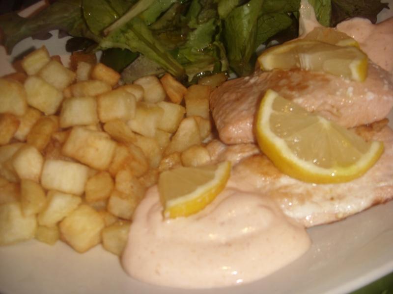 Sauce rosée pour accompagner Bastilla (Pastilla) marocaine à base de fruits de mer ou Seaks de saumon Saumon11
