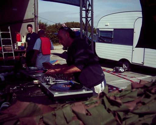 teknomad samoussy 2003 Samous24