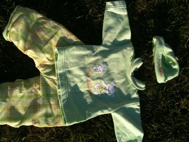 Vêtements 6 mois fille + garçon Img_0735