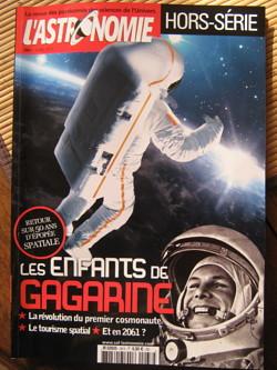 """Hors-Série """"Sciences et Avenir"""" : Les héros de l'espace Img_4512"""