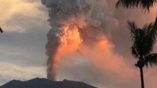 Internationale vliegveld Bali heropend, geen vulkaanas op luchtroutes 121