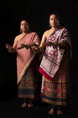 Drie Molukse mannen brengen in NM Kamp Vught een ode aan Molukse vrouwen 125