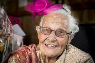 Enschedese Pauline viert haar 100ste verjaardag 126