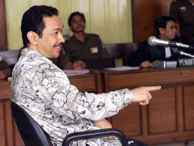 Omstreden zoon oud-dictator Soeharto wil meedoen aan verkiezingen 134