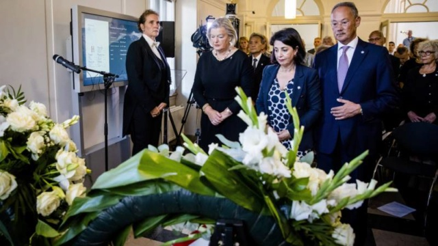 Politiek Den Haag herdenkt oorlogsslachtoffers Nederlands-Indië 153