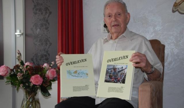 93-jarige schrijft tweedelig boekwerk 162