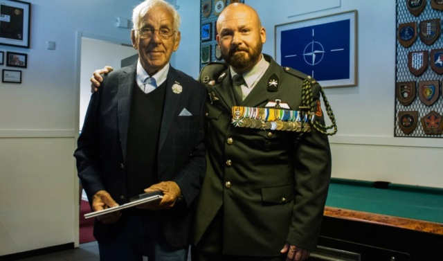 Veteranen onderscheiden met Ereteken voor Orde en Vrede 164