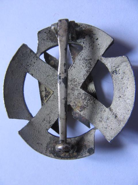 insigne des sport volontaires étrangers de la Waffen Runes_14
