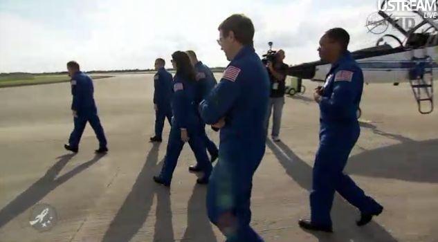 [STS-133] Discovery : Préparatifs (Lancement prévu le 24/02/2011) - Page 15 Capt_110