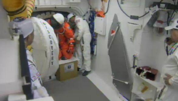 [STS-133] Discovery : Préparatifs (Lancement prévu le 24/02/2011) - Page 16 Capt_112