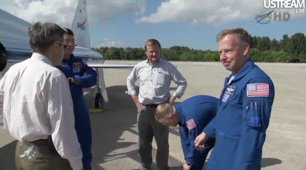 [STS-133] Discovery : Préparatifs (Lancement prévu le 24/02/2011) - Page 18 Capt_123