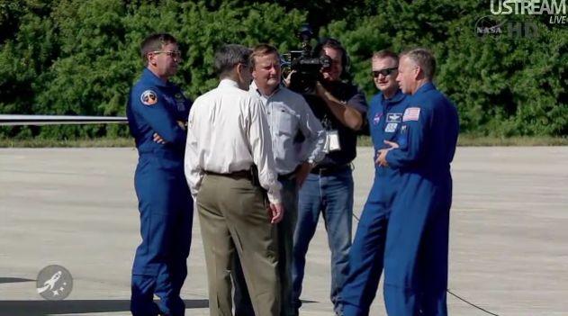 [STS-133] Discovery : Préparatifs (Lancement prévu le 24/02/2011) - Page 18 Capt_125