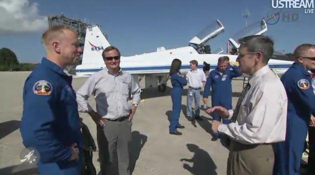 [STS-133] Discovery : Préparatifs (Lancement prévu le 24/02/2011) - Page 18 Capt_131